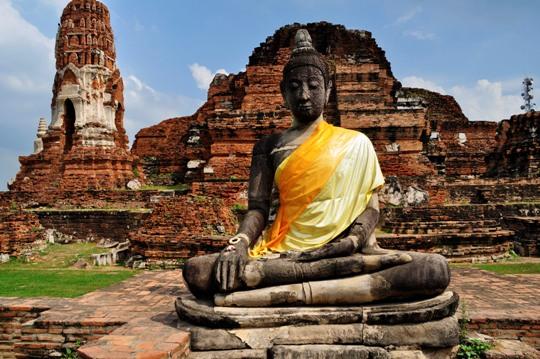 ruina-antigua-en-tailandia